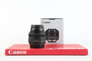 Canon 35mm f2.8 Macro IS STM